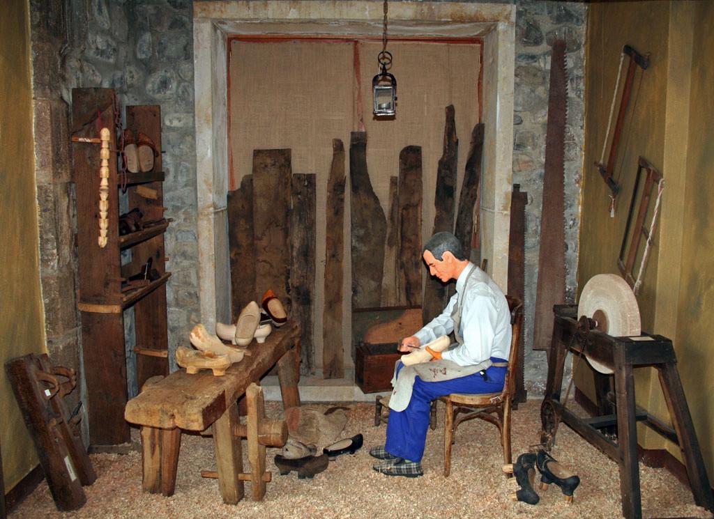 11 Valle de Rianu0303o. Museo Etnografico Montanu0303a de Rianu0303o