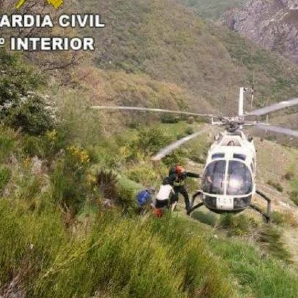 Rescate guardia civil aviados (2)