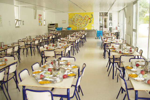 El pp veta abrir los comedores escolares en verano para for Comedores castilla y leon
