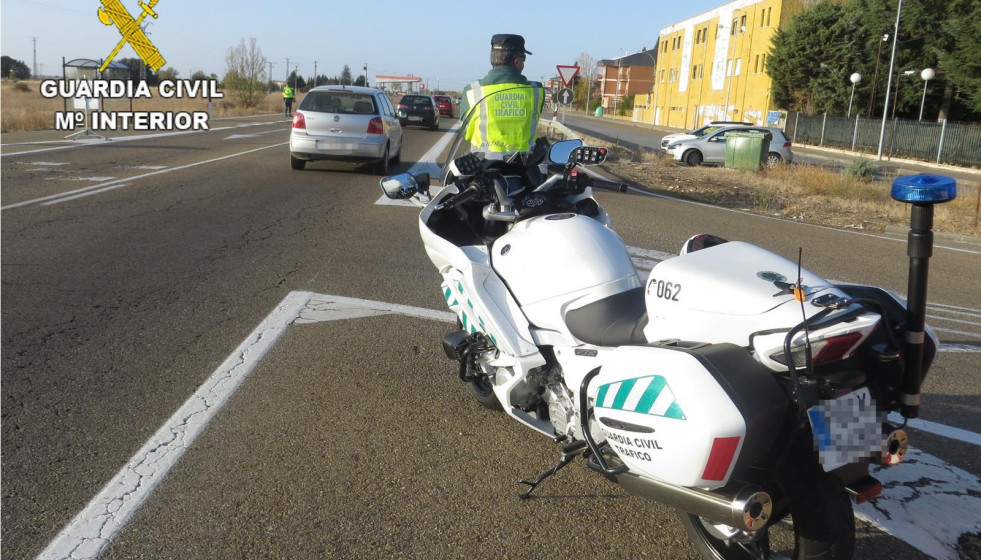 Guardia civil trafico leon